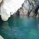 浄土ヶ浜でサッパ船に乗って青の洞窟に行きました!